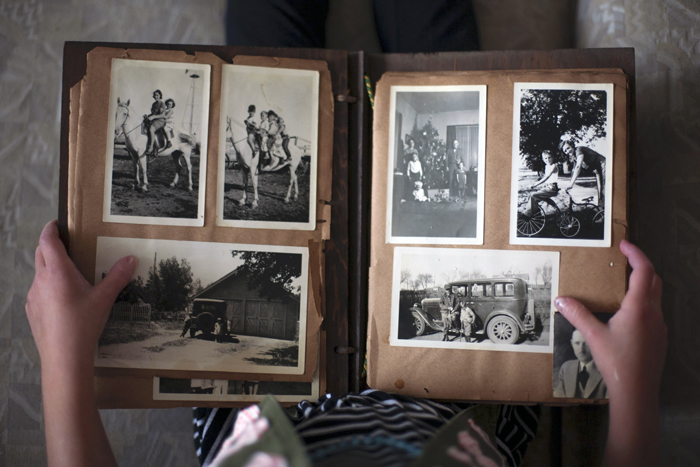 Family Secrets National Silences: Intergenerational Memory in Australia