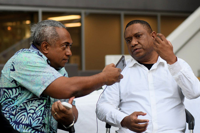 Picture of Fiji editor Fred Wesley (left) and Papua New Guinea journalist Scott Waide (Credit: MMFF)