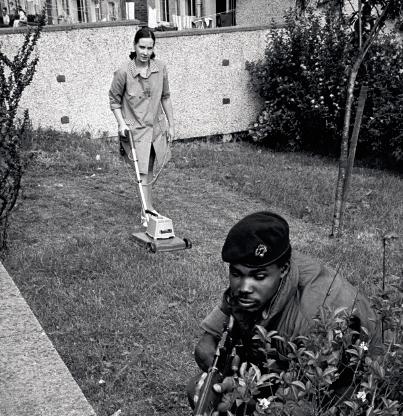 Enduring Conflict (Philip Jones Griffith/Magnum Photos, Belfast, 1973)