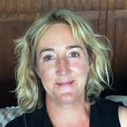 Dr Lara Anderson