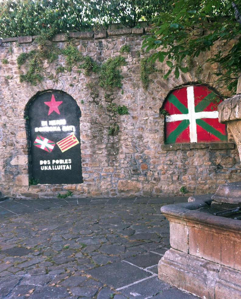 2 People, One Struggle, Basque