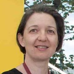 Dr Petronella Nel